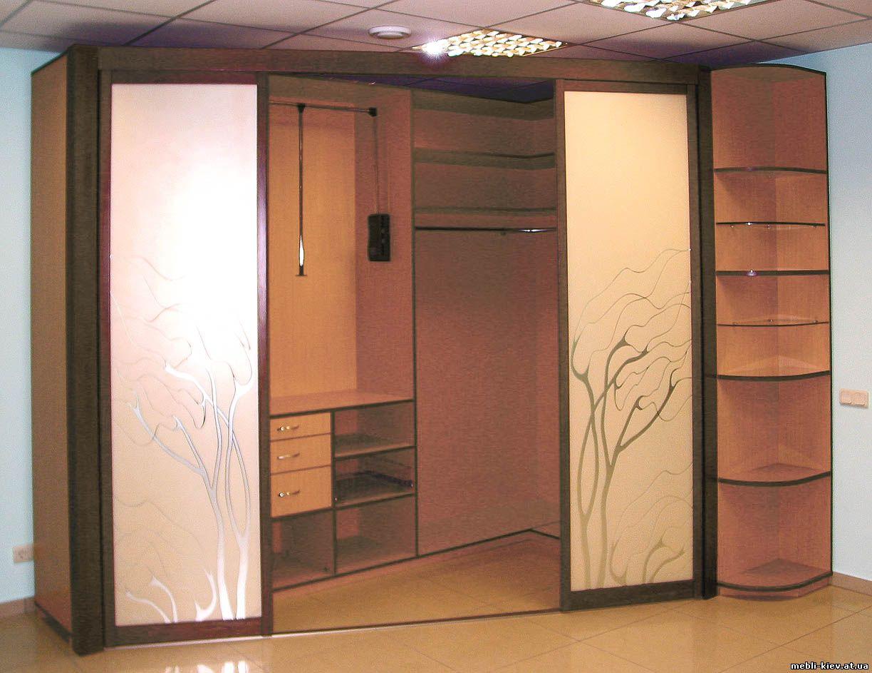 Шкафы купе и кухни: угловые шкафы купе фото.